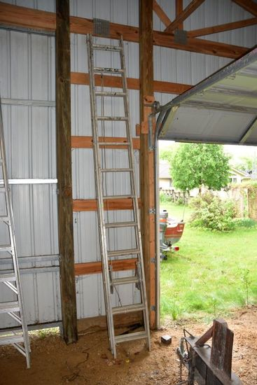 Werner Job Master 24' Aluminum Extension Ladder, PICK UP ONLY,SEE DATES/TIMES ABOVE IN NOTES, NO SHI