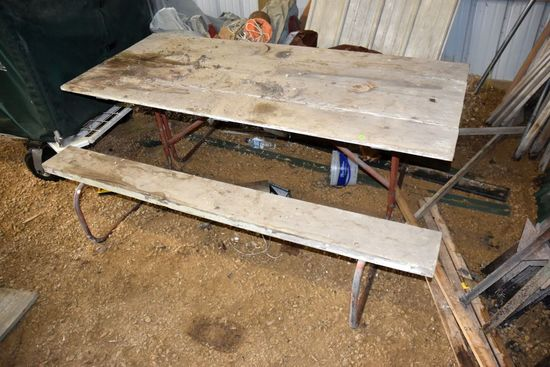 Wooden Picnic Table, PICK UP ONLY,SEE DATES/TIMES ABOVE IN NOTES, NO SHIPPING AVAILABLE FOR THIS ITE