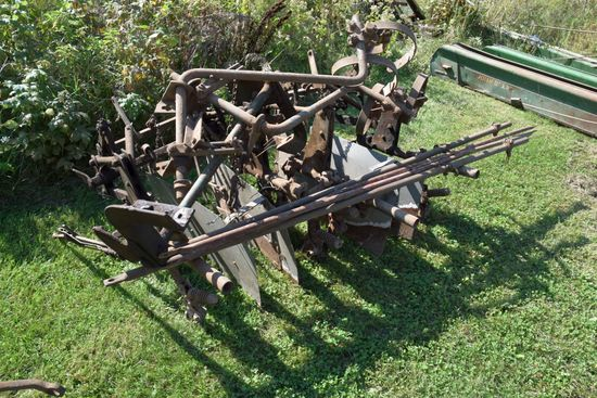 Mounted 2 Row Cultivator