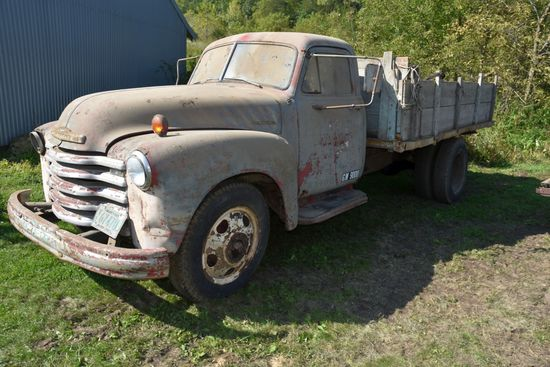 1952 Chevy Single Axle Dually Truck, 12' Box, Non-Running, Inline 6 Cylinder, Poor Interior, Has Tit