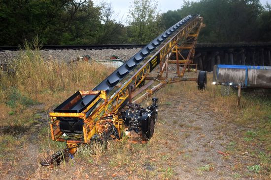"Belt Conveyor, Hydraulic Drive Wisconsin 4 Cylinder Air Cooled Gas Power Unit, 56' x 16"" Belt, Non R"