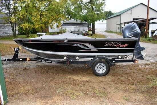 2015 Alumacraft Competitor 175 Fishing Boat, 4 Hours Showing, Boat Cover, Console Steer, Loaded, 115