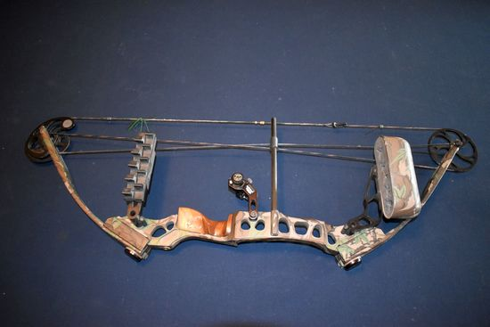 Mathews Solo Cam MQ-32, Single Cam, Quick Tune Arrow Rest, Peep Sight, Arrow Web Quiver,