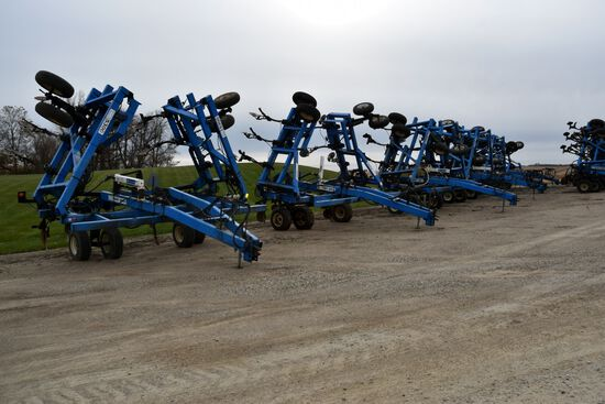 40 ANHYDROUS NH3 TOOL BARS AND PARTS