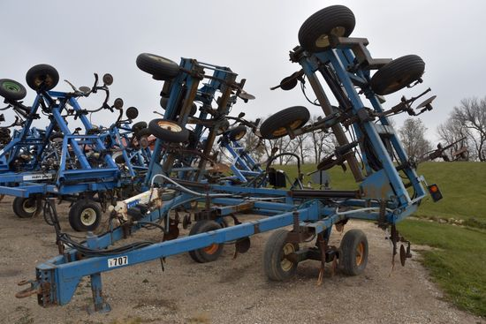 Ag Systems 8000 Anhydrous Tool Bar, 52', 21 Knife, Raven NH3 Cooler With Raven 440 Monitor, Covering