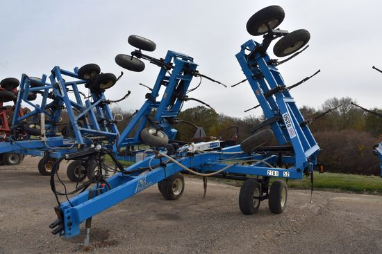 DMI Nutri-Placr 5250 Anhydrous Tool Bar, 52', 21 Knife, Raven NH3 Cooler With Raven 440 Monitor, Wal