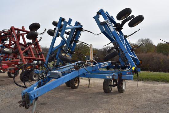 DMI Nutri-Placr 5300 Anhydrous Tool Bar, 52', 21 Knife, NH3 Cooler With Raven 440 Monitor, Walking T