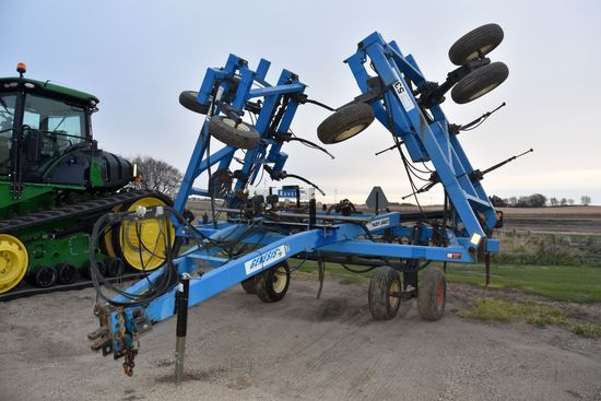 DMI Nutri-Placr 5300 Anhydrous Tool Bar, 47', 19 Knife, Raven NH3 Cooler With Raven Harness No Monit