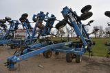 DMI Nutri-Placr 5300 Anhydrous Tool Bar, 47' or shutoffs for 42', 19 Knife, Raven NH3 Cooler With Ra
