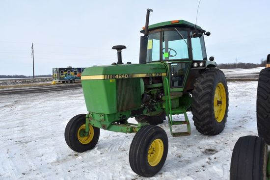 1978 John Deere 4240 2WD Tractor, New Style Step,