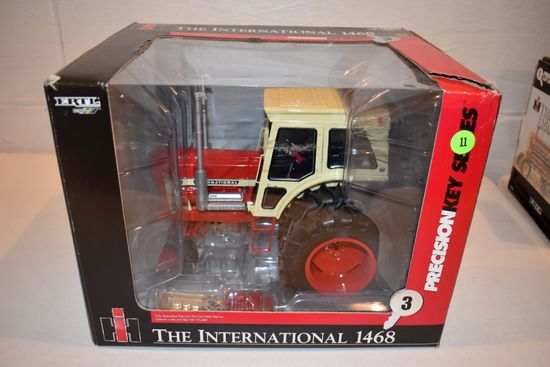 Ertl Britain's Precision Key Series No.3 International 1468 V8 Tractor, 1/16th Scale With Box, Box H