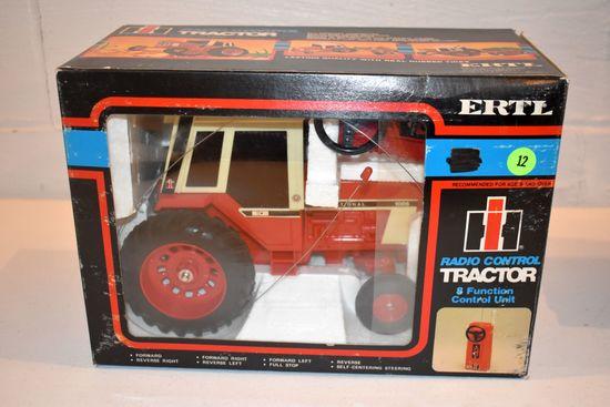 Ertl Radio Control Tractor, International 1086, With Box