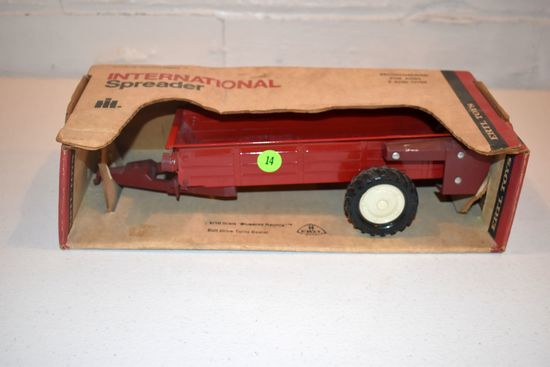 Ertl International Manure Spreader, Stock #492, 1/16th Scale With Box