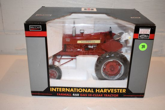 Spec Cast International Harvester 450 Gas High Clear Tractor, 1/16th Scale With Box