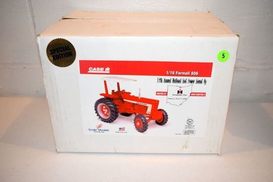 Scale Models 17th Annual National Red Power Roundup Special Edition Farmall 806 Tractor With Canopy,