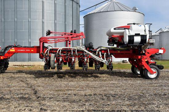 "2013 AGCO Massey Ferguson Planter 8800 (8816) Center Fill 16R30"", Liquid Fert, Fert Incorp Disc, (2)"