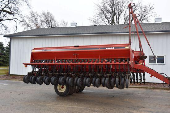 """Case IH 5500 Mulch Till Drill, 30' Front Fold, 7.5"""" Spacings, Press Wheel"""