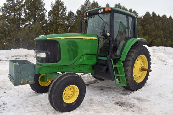 2005 John Deere 7320, Deluxe Cab, 2WD, 3,195 Hours, 480R38 Rubber, 540/1000PTO, Power Quad With Left