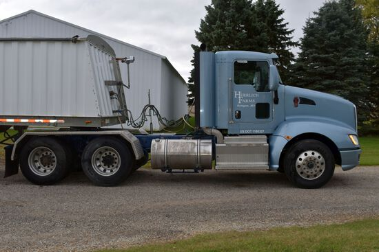 2012 KW-T660 Day Cab Semi Tractor, 572,500 Miles, Paccar MX 430hp Diesel, 10sp, Air Brakes, Diff Loc