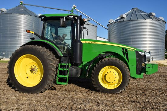 2013 John Deere 8235R MFWD, 715 Actual Hours, 18.4 –46 Duals, IVT, ILS, Inside Wheel Weights, 4 Hydr