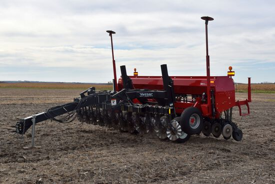 "Case IH 5400 Mulch Till Drill 15', 7.5"" Spacings, Hyd Markers, Press Wheels, Double Disc, Case IH Ac"