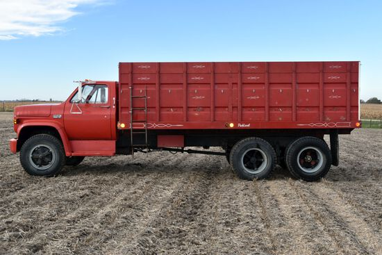 1974 GMC 6500 Super Custom Grain Truck with 10,257 Actual Miles, 366 Gas V8, 5 x 2 Speed, 9.00-20 Ti