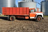 1976 International Loadstar 1700 Grain Truck 404 Gas V8, 5 x 2 Speed, 57,265 Actual Miles, 9.00-20 T