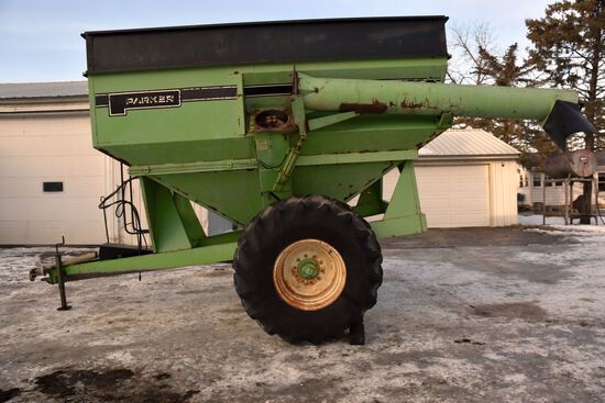 Parker 450 Grain Cart, 1000PTO, 23.1-26 Tires, Center Auger, Unload Auger Brase Has Been Welded