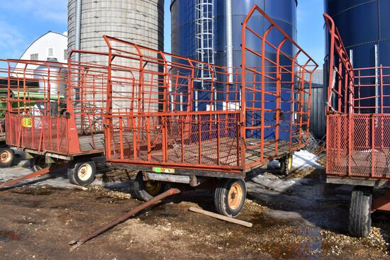 Meyers 9'x18' Bale Throw Rack On Lundell 6 Ton Running Gear
