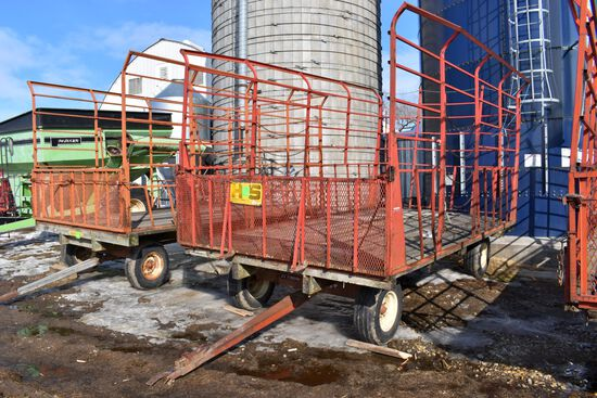H&S 9'x16' Bale Throw Rack On EZ Trail 872 Running Gear