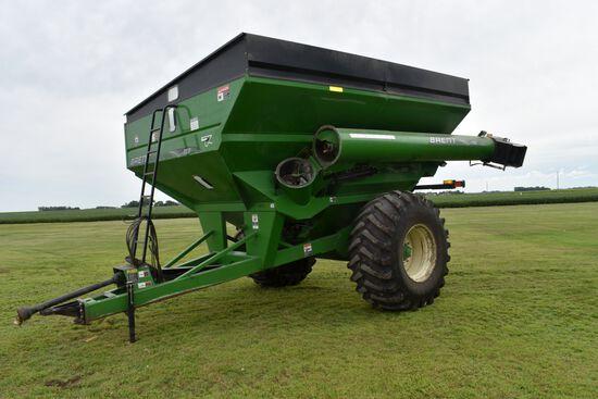 """Brent 780 Grain Cart, Large 1000PTO, 30.5-32 Tires 85%, Hyd. Spout, Corner Auger, 18"""" Unload Auger,"""