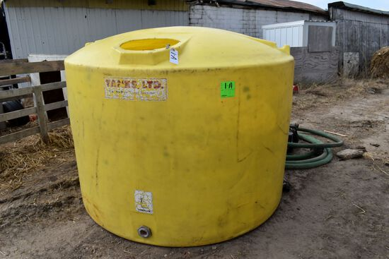 "1000 Gallon Poly Tank with 2"" Hose And B&S 3.5HP Engine & Pump"