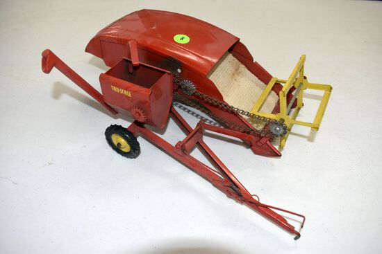 Tru Scale Pull Type Combine, Missing A Few Parts, No Box