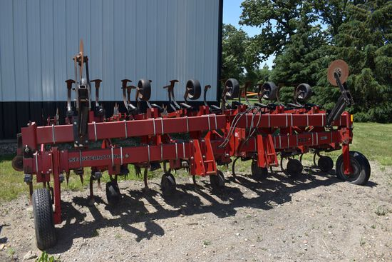 "Case IH 183 Row Crop Cultivator, 12 Row 30"", Gauge Wheel, C- Shanks, Rolling Shields, Stabilizer Dis"