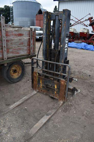 Cat 3pt Forklift, 3 Stage Lift