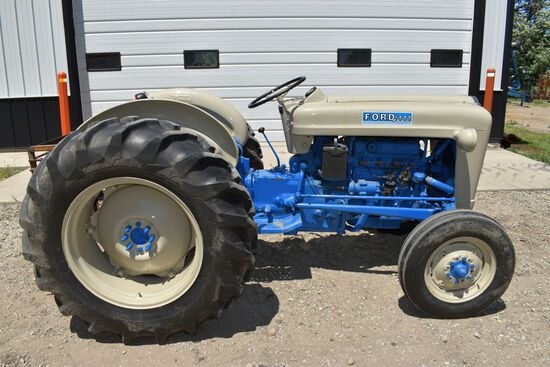 Ford 4000 Gas Tractor, Restored, Fenders, Open Station, 3pt, PTO, 1 Hydraulic, 4 Speed Trans., 38 Ho