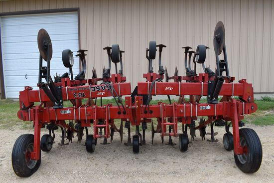 "Case IH 183 Row Crop Cultivator 8 Row 30"", 3pt, Hyd Flat Fold, Rolling Shields, Like New"