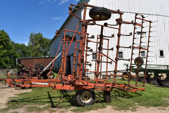 Allis Chalmers 1300 Field Cultivator 26.5', 3 Bar Harrow, Hyd Fold