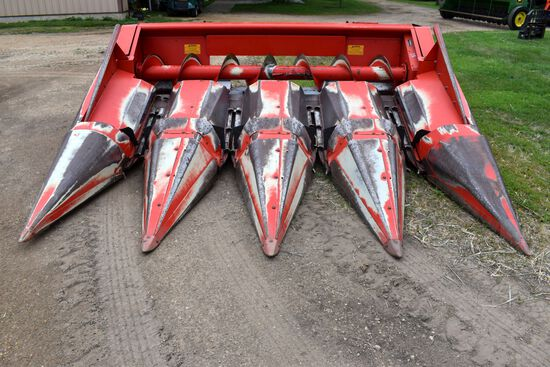 "Massey Ferguson 1143 Corn Head 4 Row 30"", Clean"