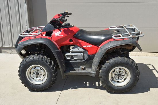 2005 Honda Rincon Four Wheeler, 4WD, Automatic, Front And Rear Racks, 2543 Miles, 550 Hours, Runs An
