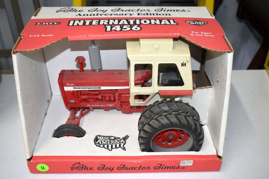 Ertl Toy Tractor Times Anniversary Edition 1996 International 1456 Tractor, 1/16th Scale With Box, B