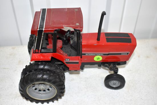 Ertl International 5288 2WD Tractor With Duals, Cab Has Damage, 1/16th Scale No Box