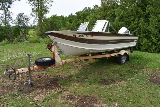 1982 Sylvan 16' Deep V Boat, Split Window Windshield, Evinrude 90 Outboard Motor, Canopy, On A Tee N