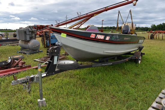 1990 Bass Tracker Boat & Trailer With  A 1997  Mercury 40hp Motor,Front Trolling Motor,  Console, Bo