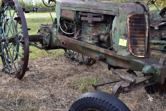 Oliver 70 row crop, wide front, rear steel wheels, gas, non running