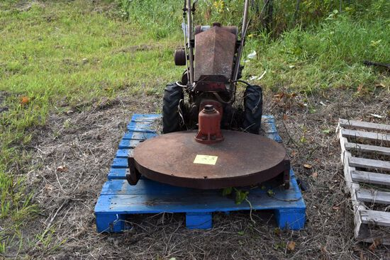 Gravley walk behind rotary mower non runnng