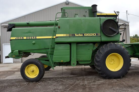 John Deere 6620 Turbo Diesel Combine, 24.5x32 Tires, Approx 3,439 Hours On Machine Tach Was Replaced