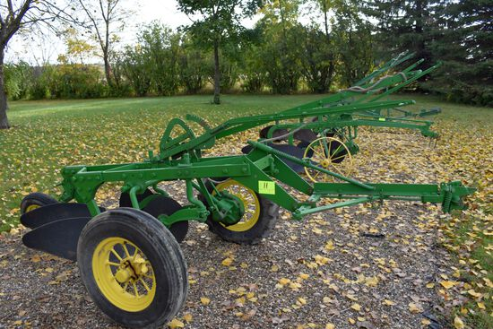 John Deere 2 x 14s Plow On Rubber, Mechanical Lift, Round Spoke Wheels, Restored