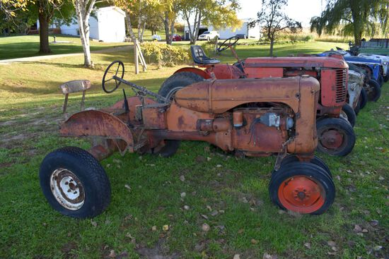 Allis-Challmers C Tractor, N/F, Fenders, Parts Tractor, Missing Some Parts (Head)