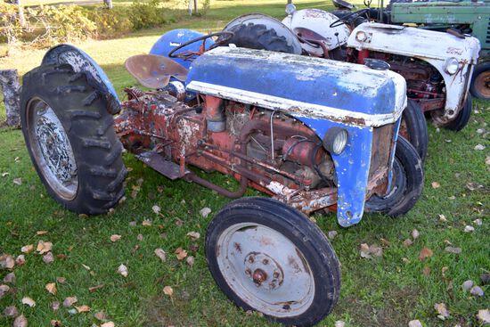 Ford 9N Tractor, Fenders, Motor Is Free, 3 Speed, 11.2x28 Tires